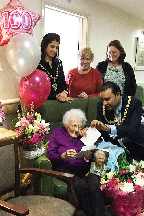 Edith Yates 100th birthday at Gainsborough House