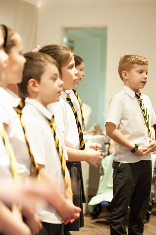 Romiley Primary School sing for Cherry Tree House