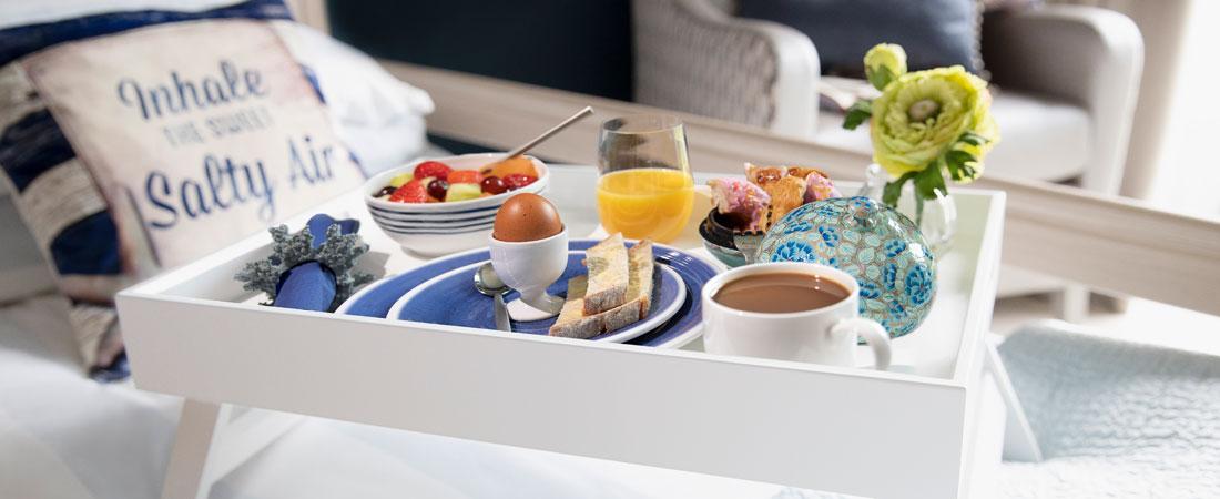 KH-Room-Slider-breakfast